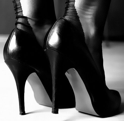 Men-in-Heels-Raise-Awaireness-of-Sexual-Assault1