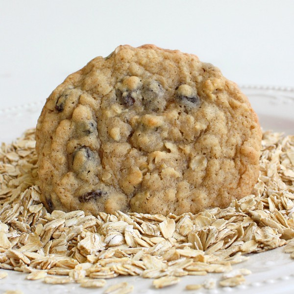 chewy-oatmeal-cookies-light