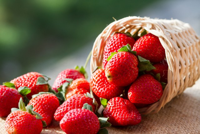 8_strawberries_shutterstock_165452462