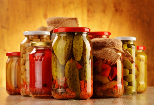 Pickled-vegetables-in-jars