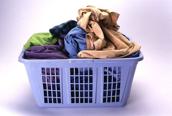 full-clothes-basket