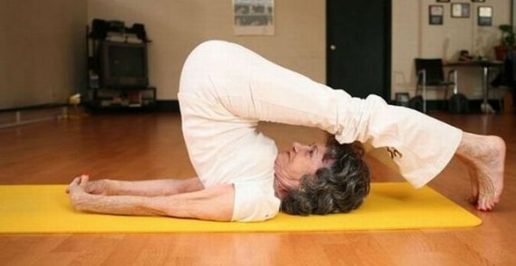 2014-11-06-worlds-oldest-yoga-teacher-fb