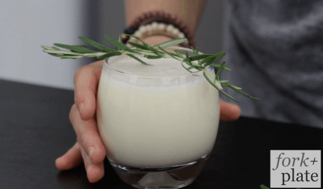 Yogurt-Gin-Cocktail