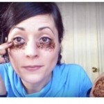 She Applies Coffee Under Her Eyes, The Result Is Incredible