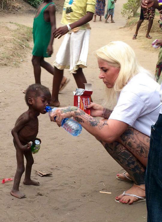 nigerian-starving-thirsty-boy-hope-rescued-anja-ringgren-loven-19