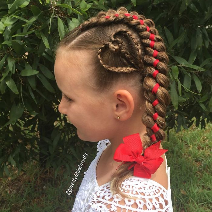 mom-braids-unbelievably-intricate-hairstyles-every-morning-before-school-4__700 (1)