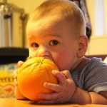 Trick to Eating an Orange Without Getting Your Fingers All Sticky