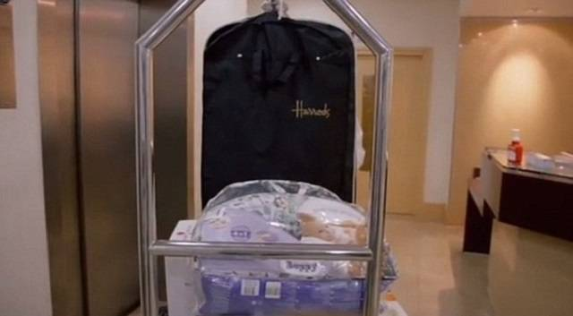 High end baby gift sets : Giving birth in this hospital can cost million womans