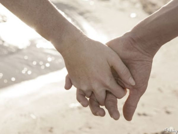 holding-hands-true-love-ana-livingston-fine-artist-tampa-bay-600x450