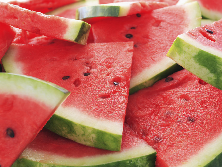 seeded-watermelon-7f22db7e0d69201270665e8b98768da0a8dfea0d-s900-c85