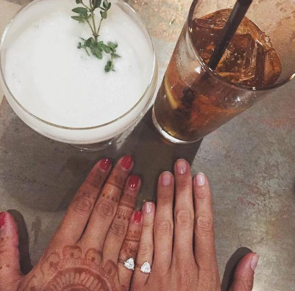 woman-wears-ring-on-pinky7