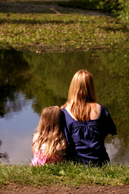 mother-and-child-at-lake