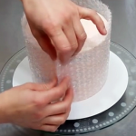 This Woman Wraps Bubble Wrap Around This Cake. But, When She's Done? STUNNING