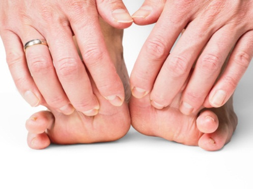 Reach-Your-Feet-and-Do-This-Every-Night-Before-Bed.-Heres-why-its-so-important