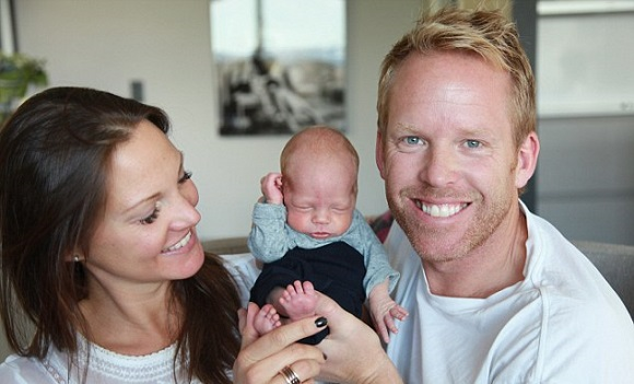 She is the first in the world to give birth like THIS. The healthy 1-year-old has made his... (5)