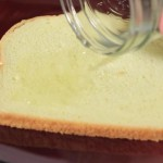 He Pours Vinegar On Toast And Reveals A Trick Everyone Should Know