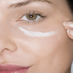Put Baking Soda Under Your Eyes And Something Unbelievable Will Happen