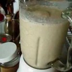 Pineapple, Cinnamon And Oats Smoothie For Strengthening The Tendons and Ligaments on Your Knees