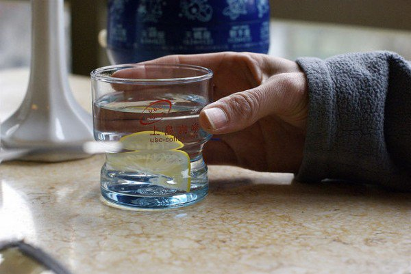 drinking-hot-water2-600x401