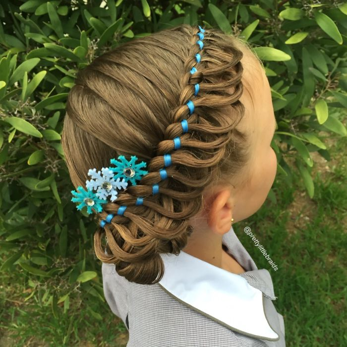 mom-braids-unbelievably-intricate-hairstyles-every-morning-before-school-8__700