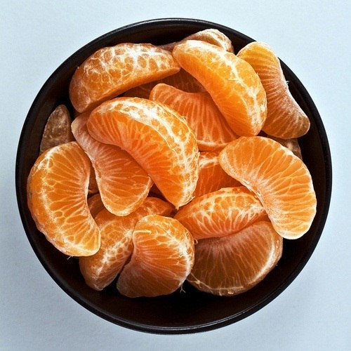 squeaky-clean-trick-eating-orange-without-getting-your-fingers-all-sticky.w654 (1)