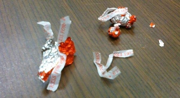youve-been-unwrapping-hershey-kisses-wrong-your-entire-life.w654