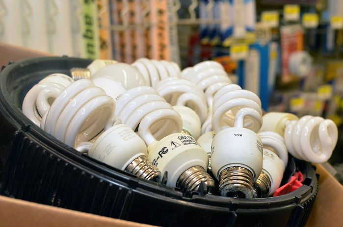 These-Light-Bulbs-Cause-Anxiety-Migraines-And-Even-Cancer.-If-You-Have-Them-Do-THIS-Immediately-