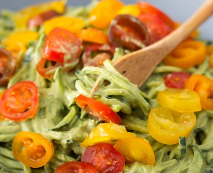 Zucchini-noodles-with-avocado-sauce