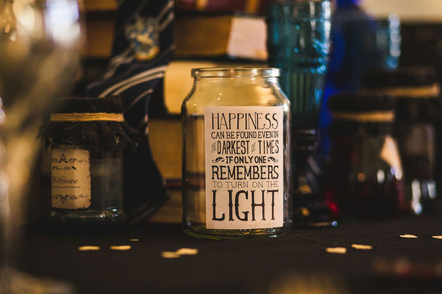 harry-potter-themed-wedding-cassie-lewis-byrom-47