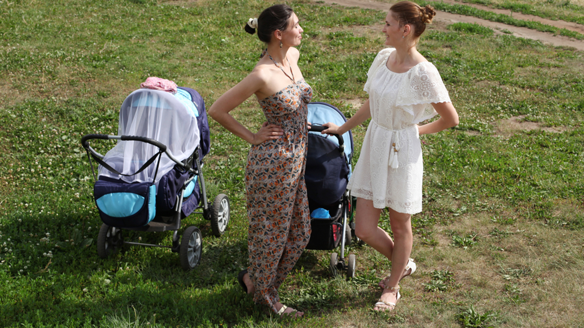 moms with baby strollers